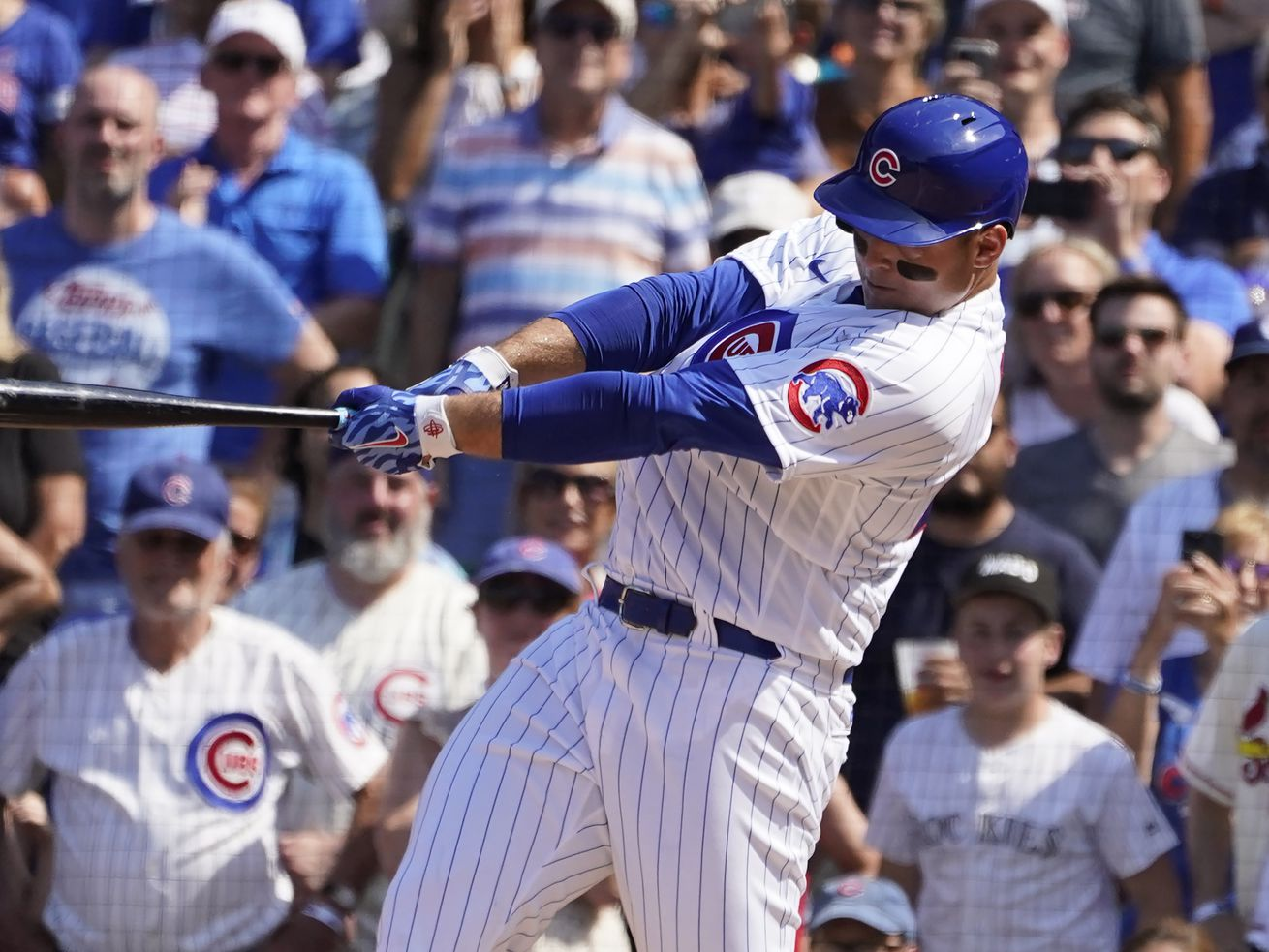 The Cubs' Anthony Rizzo hits a home run off Cardinals starting pitcher Daniel Ponce de Leon on the 14th pitch of his at-bat.
