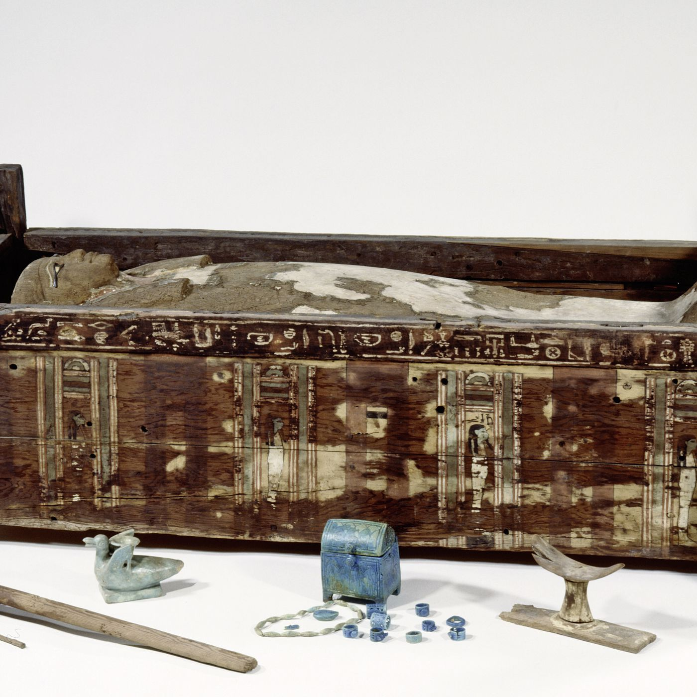 Mummy DNA shows that the ancients don't have much in common with