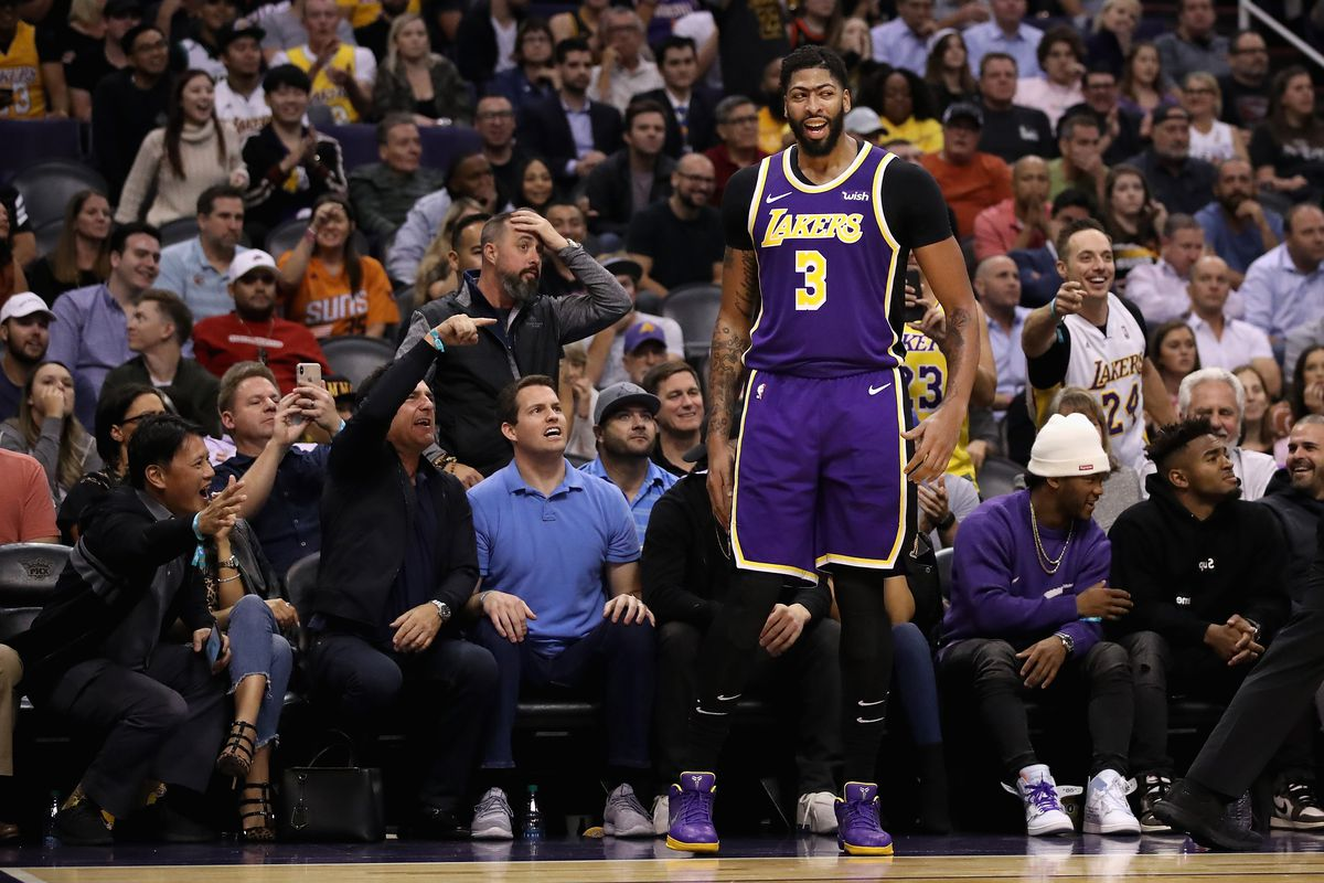 Warriors Vs Lakers Anthony Davis Out With Shoulder And Rib