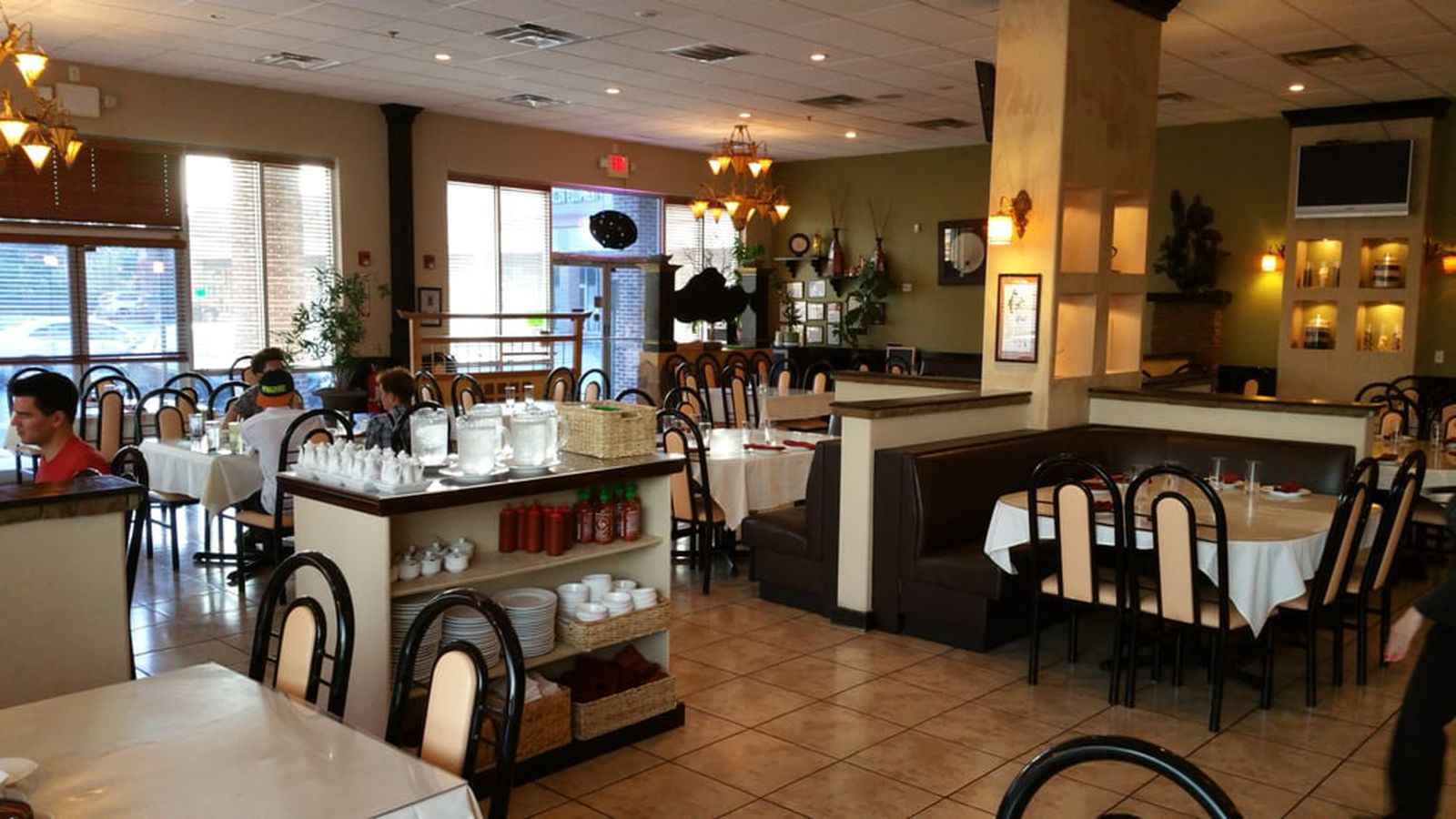 Chateau Saigon Is Closing on Buford Highway This Weekend