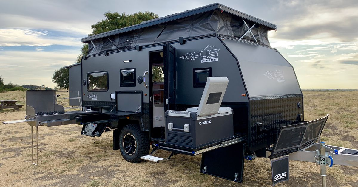 Go-anywhere travel trailer pops up for more space - Curbed