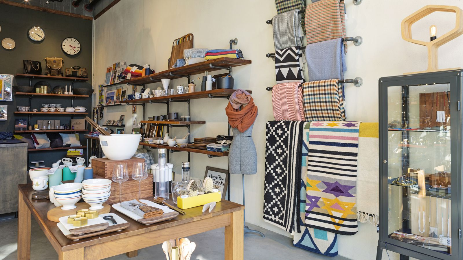 Inside Acacia The Valencia Home Goods Store That S All