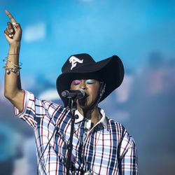 Ms. Lauryn Hill performs at the Pitchfork Music Festival.   Ashlee Rezin/Sun-Times
