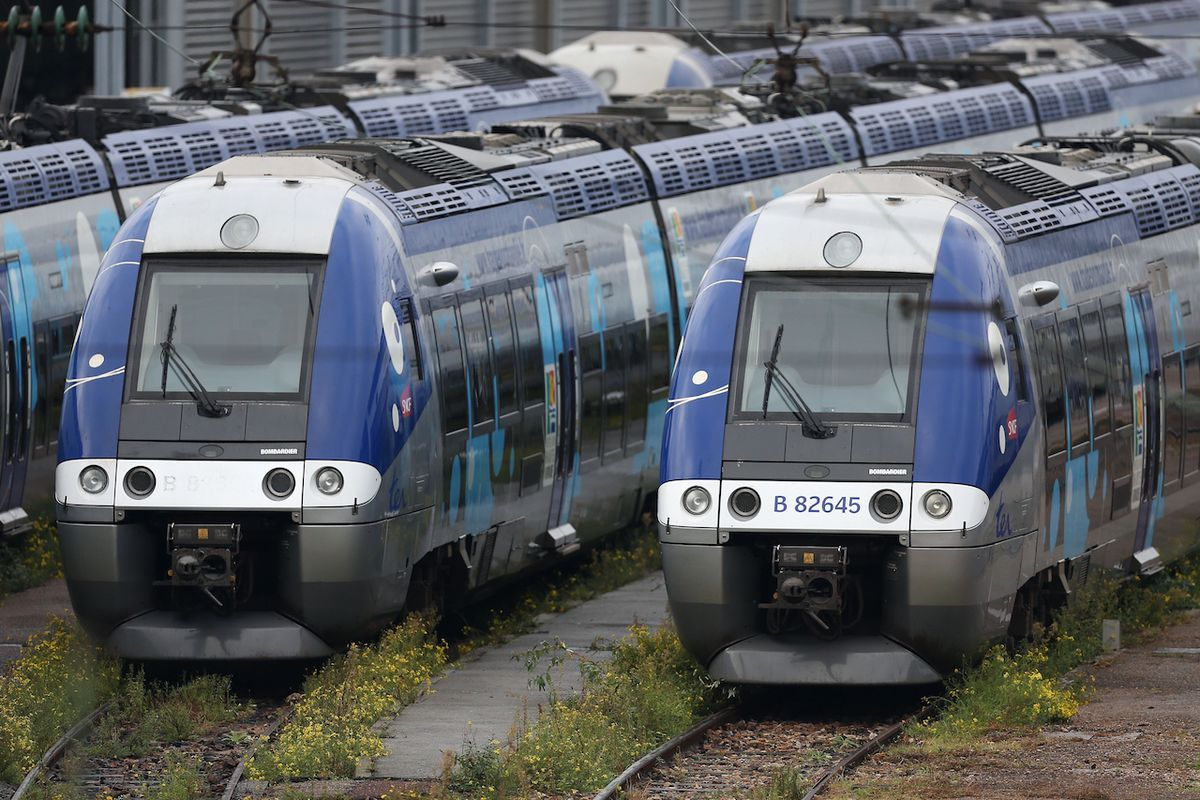 Under Pressure From Hotels After Paris Attacks, French Railway Cancels Airbnb Partnership