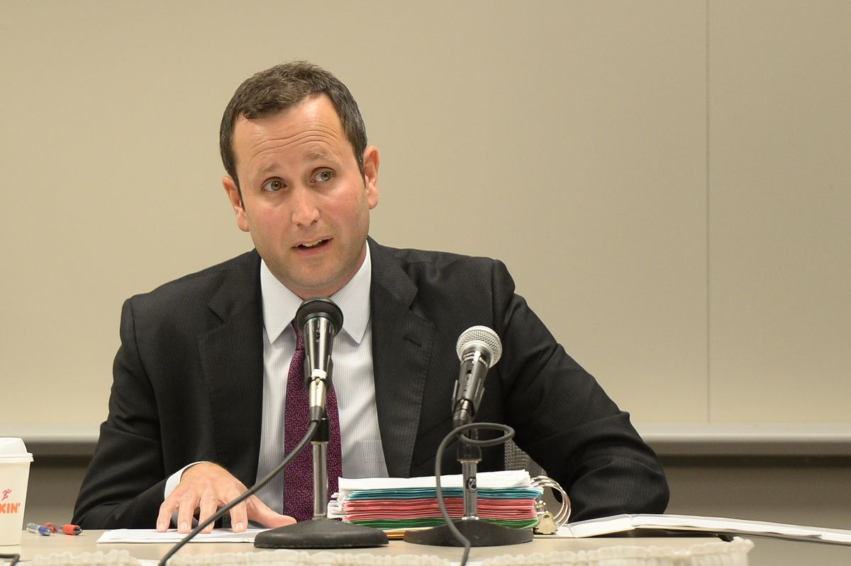 Illinois Gaming Board administrator Marcus Fruchter speaks at an August 2019 meeting.