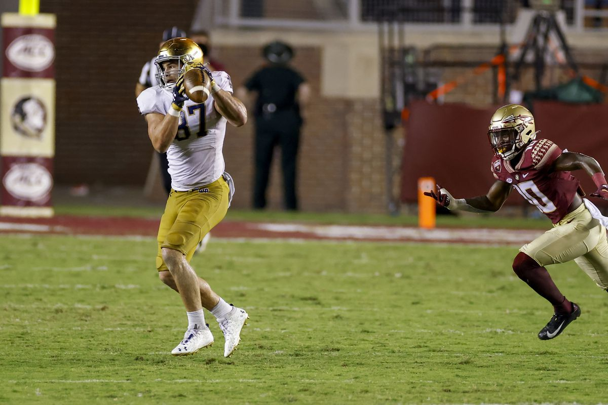 Notre Dame Fighting Irish tight end Michael Mayer catches a pass during the game between the Notre Dame Fighting Irish and the Florida State Seminoles on September 5, 2021 at Bobby Bowden Field at Doak Campbell Stadium in Tallahassee, Fl.