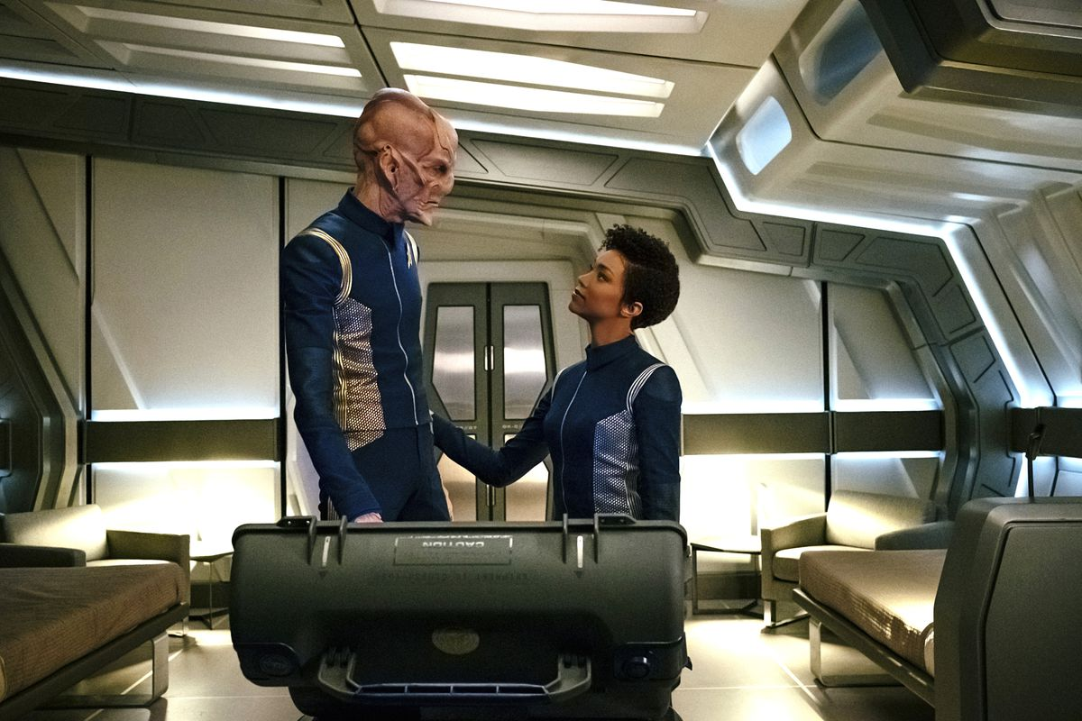 image cbs cbs will air star trek discoverys last episode - When Does Star Trek Discovery Resume