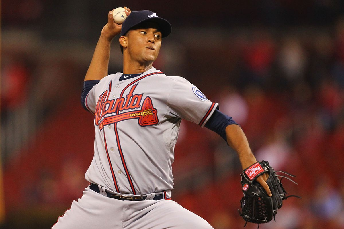 ST. LOUIS, MO - SEPTEMBER 9:  Starter Randall Delgado #40 of the Atlanta Braves pitches against the St. Louis Cardinals at Busch Stadium on September 9, 2011 in St. Louis, Missouri.  (Photo by Dilip Vishwanat/Getty Images)