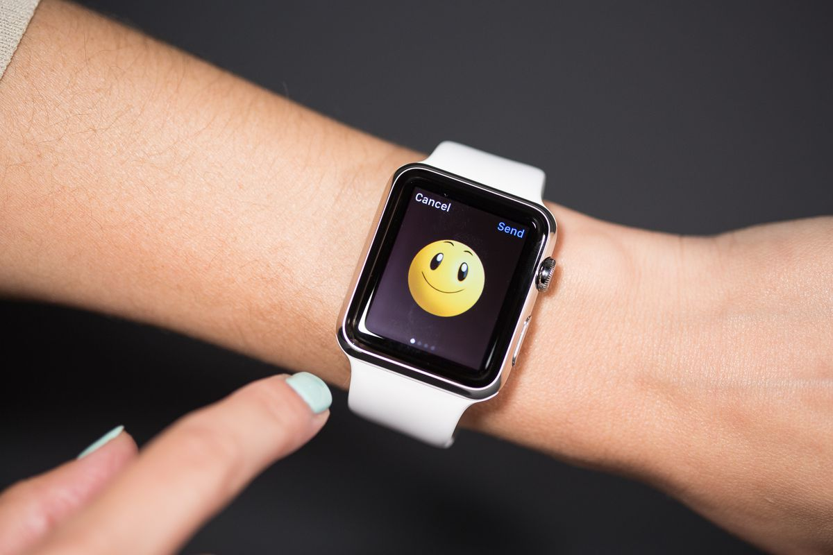 A Week on the Wrist: The Apple Watch Review