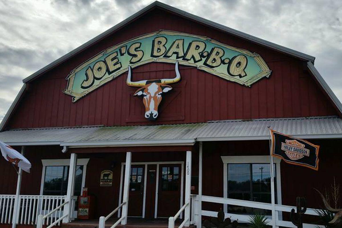Joe's Bar-B-Q in Alvin