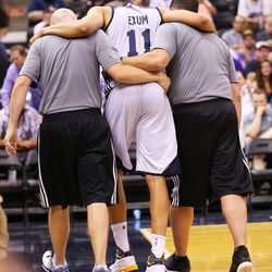 Utah's Dante Exum exits the floor after suffering an injury during the Utah Jazz's Summer League game against the Boston Celtics, Monday, July 6, 2015.