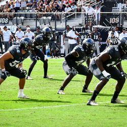 Homecoming: UCF defeats Navy 35-24