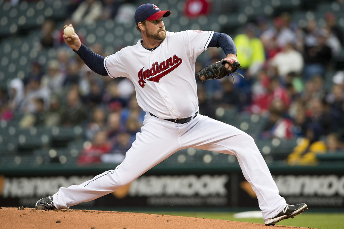 CLEVELAND, OH - JUNE 1: Starter Derek Lowe #26 of the Cleveland Indians pitches during the first inning against the Minnesota Twins at Progressive Field on June 1, 2012 in Cleveland, Ohio. (Photo by Jason Miller/Getty Images)