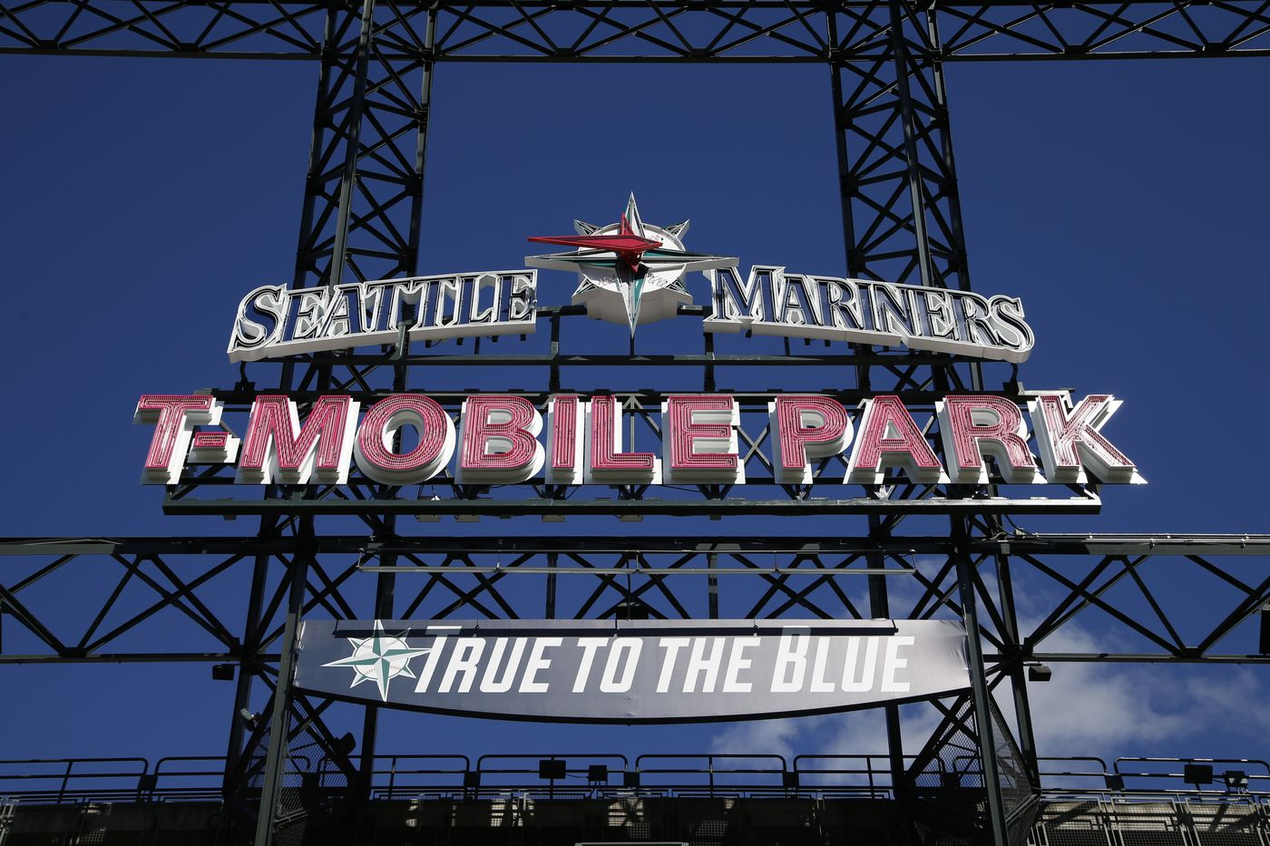 T Mobile Park How To Get There Where To Sit Where To Eat Curbed