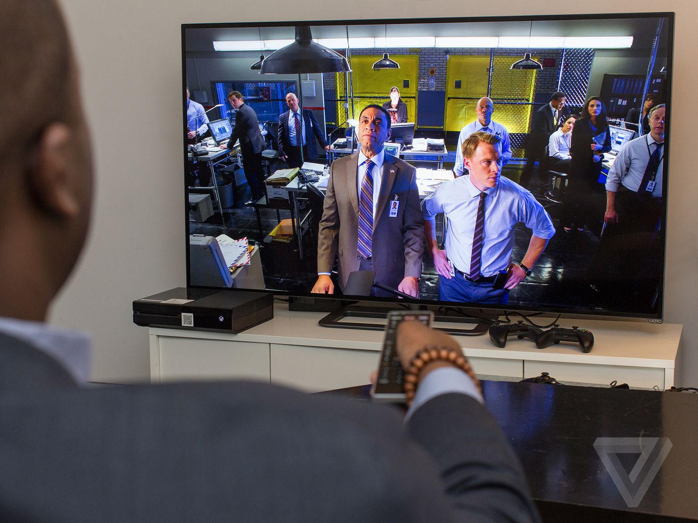 Most smart TVs are tracking you — Vizio just got caught - The Verge