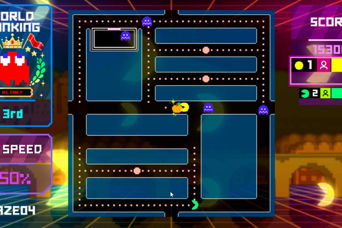 Multiple Pac-Man run through a custom maze in a screenshot from Pac-Man Live Studio