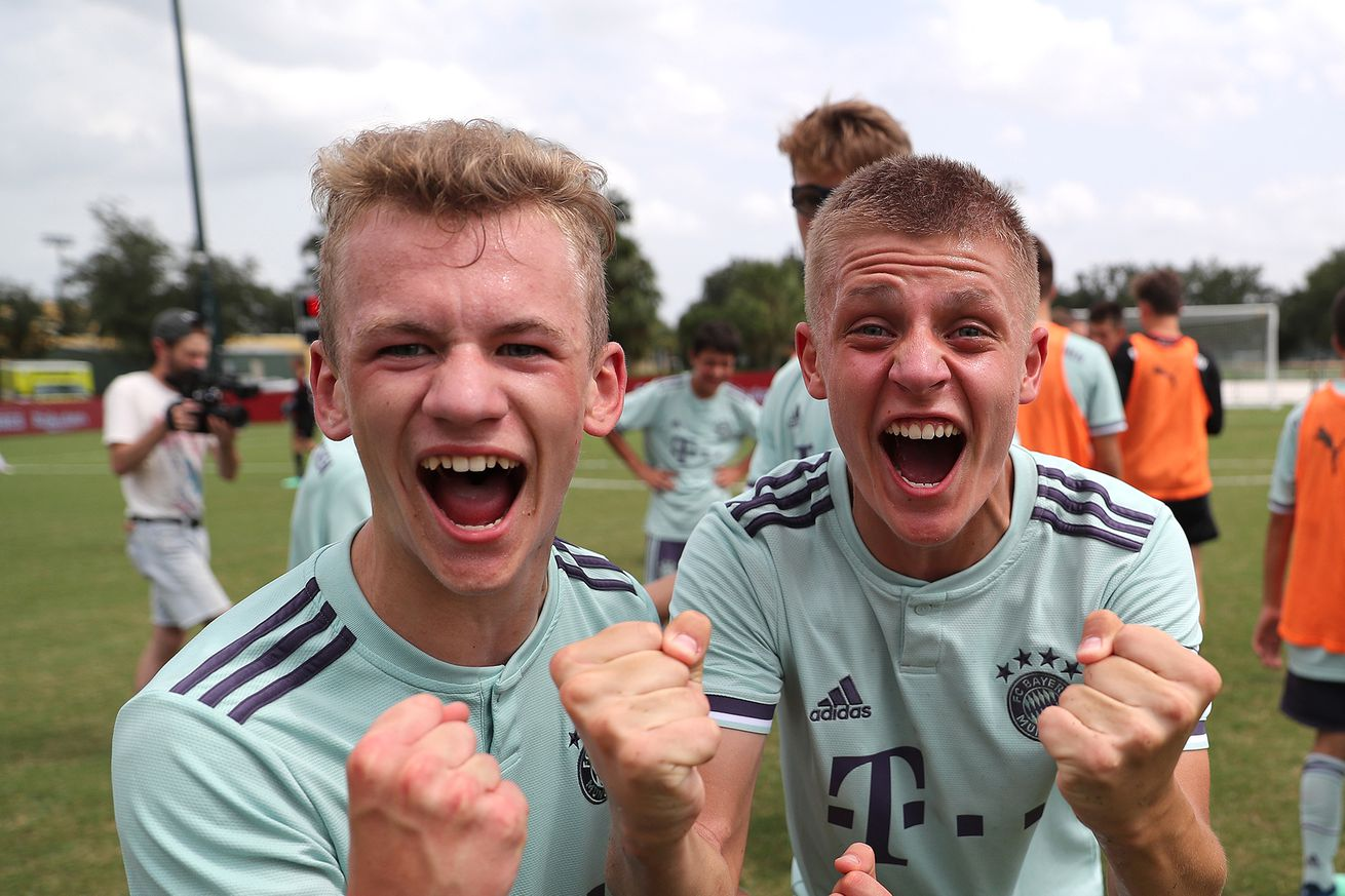 "Blue shorts""! Bayern explains how fans can help pick kit colors"