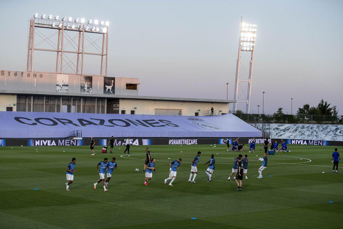 Real Madrid v Deportivo Alaves - La Liga Santander