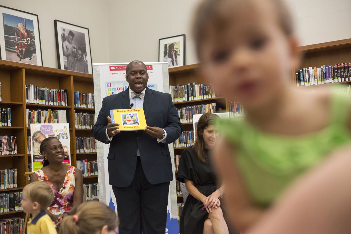 Richard Buery, then deputy mayor, at a New York City library in July 2015.