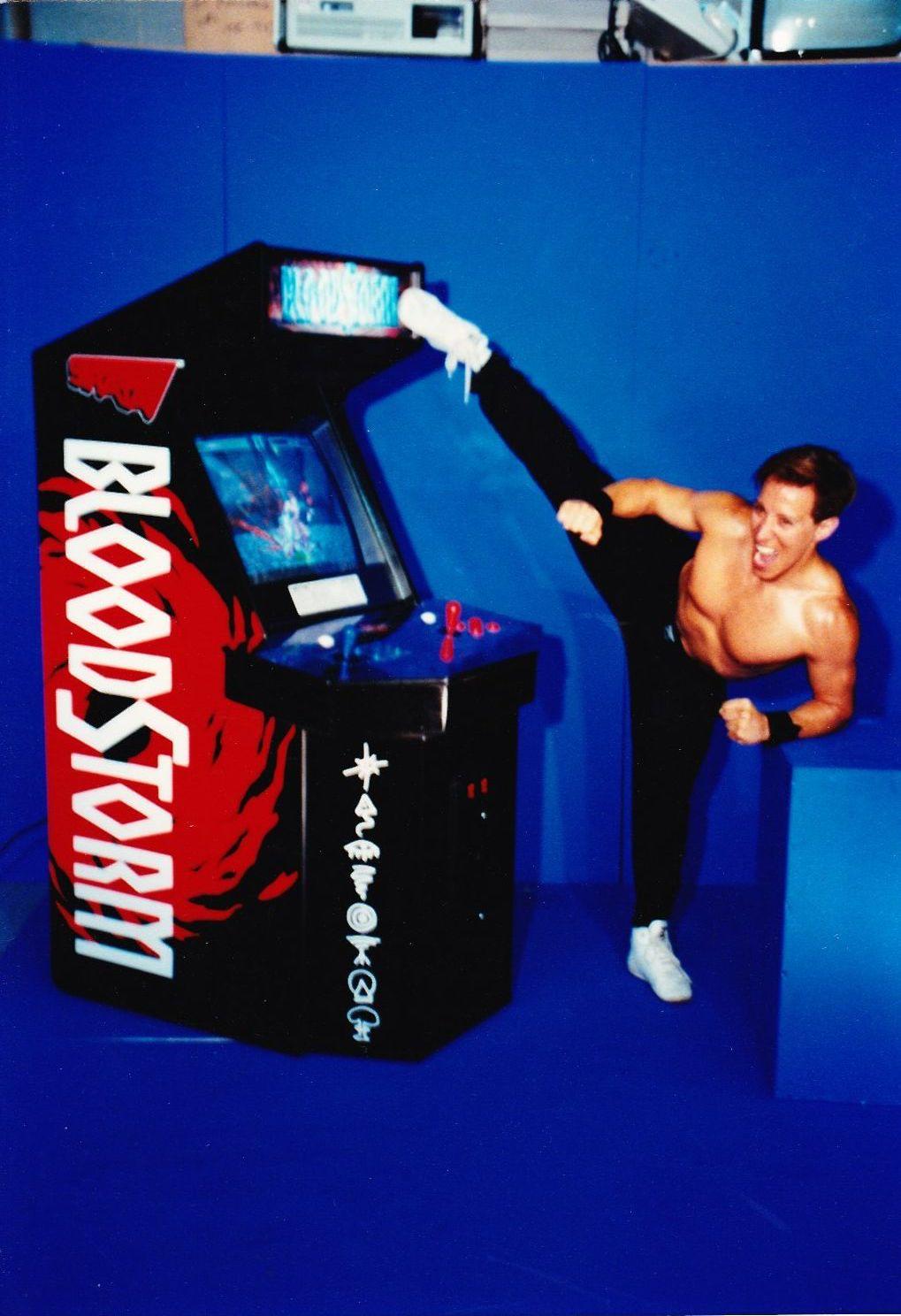 20年后,真人快打的约翰尼凯奇