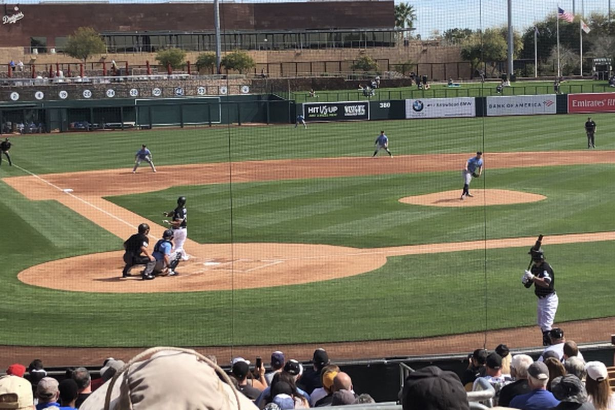 Jose Abreu singles against Mariners righty Ljay Newsome in the first inning Thursday.