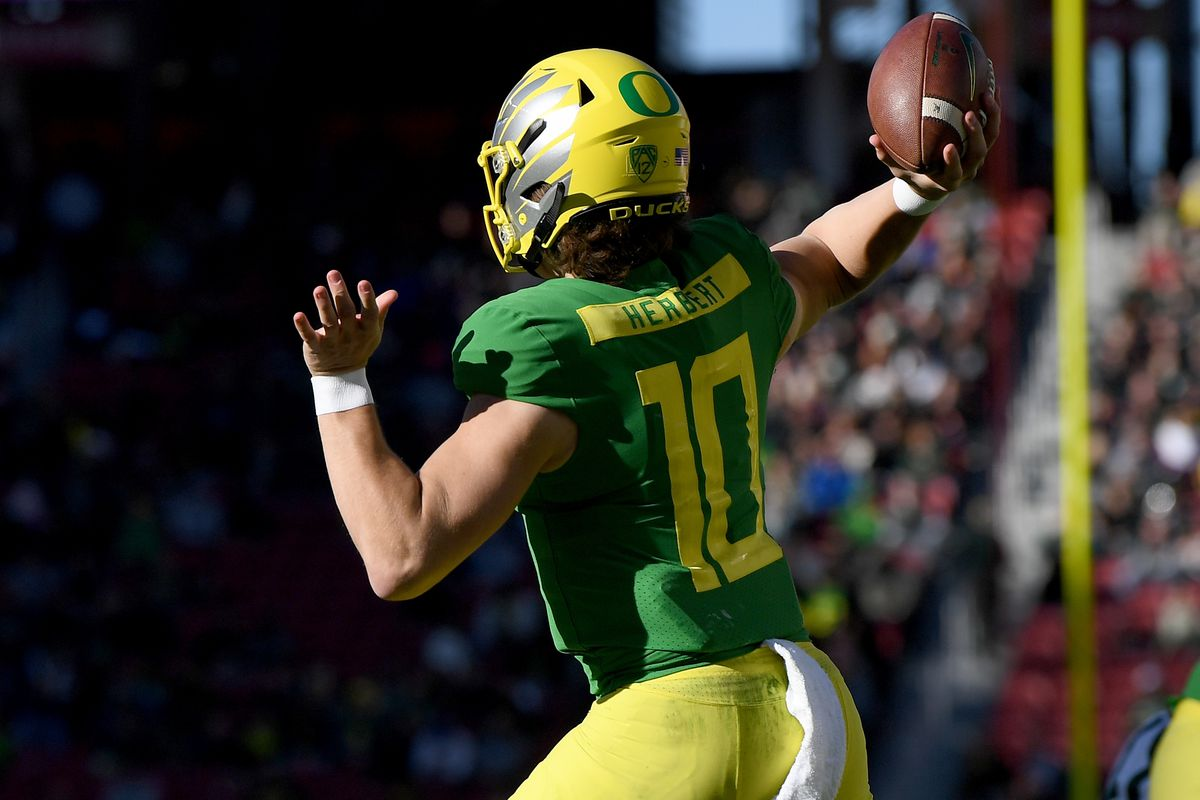 Top College Players 2020.2020 Nfl Draft First Test For Justin Herbert Tua Tagovailoa In