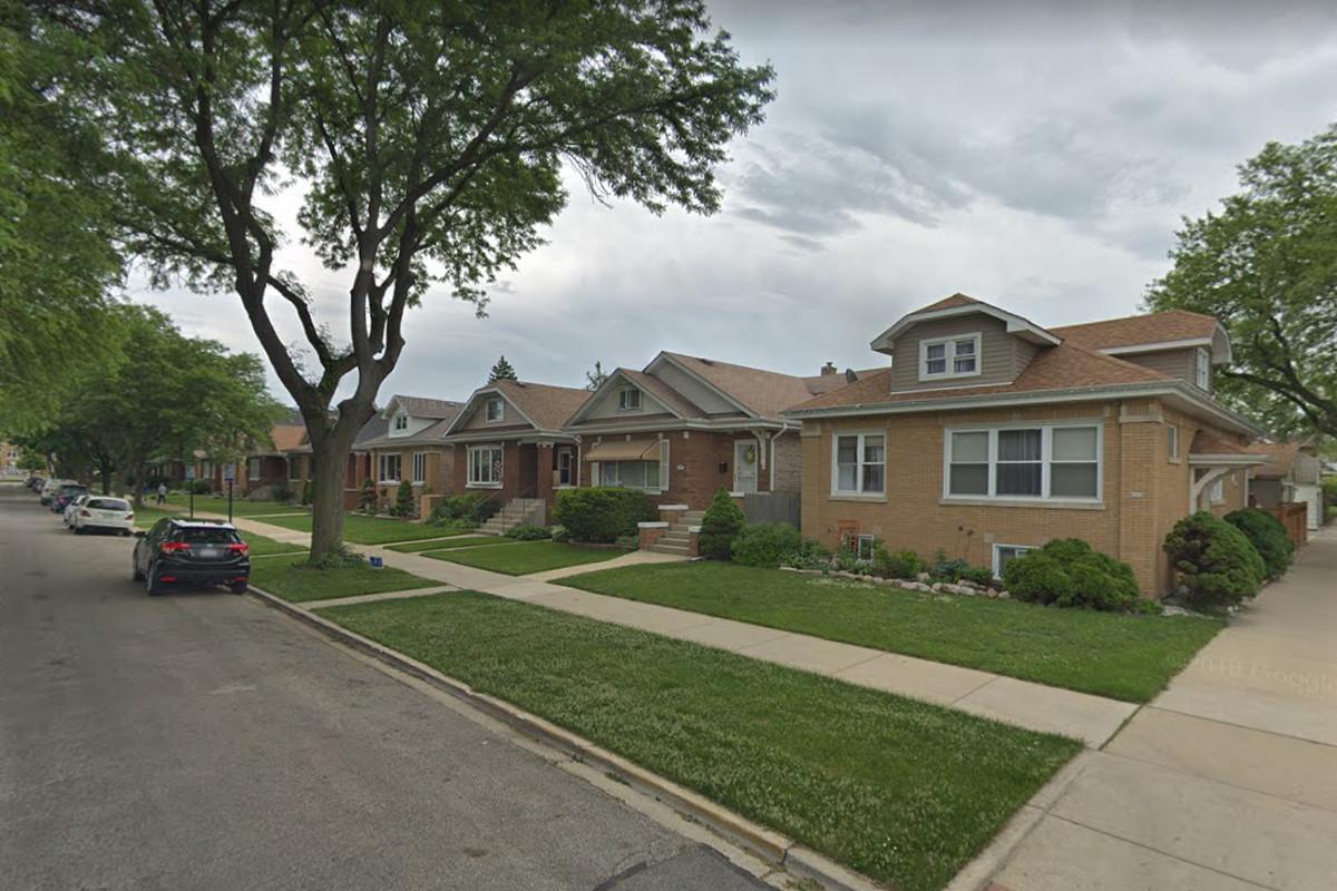Four homes were burglarized in Portage Park