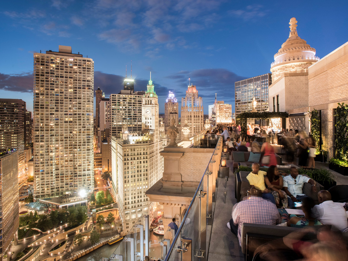 Eat And Drink Near The Magnificent Mile