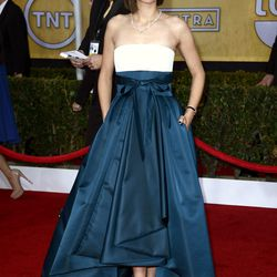 Despite being sick, Marion Cotillard shuts it down in a Dior gown and Chopard jewels.