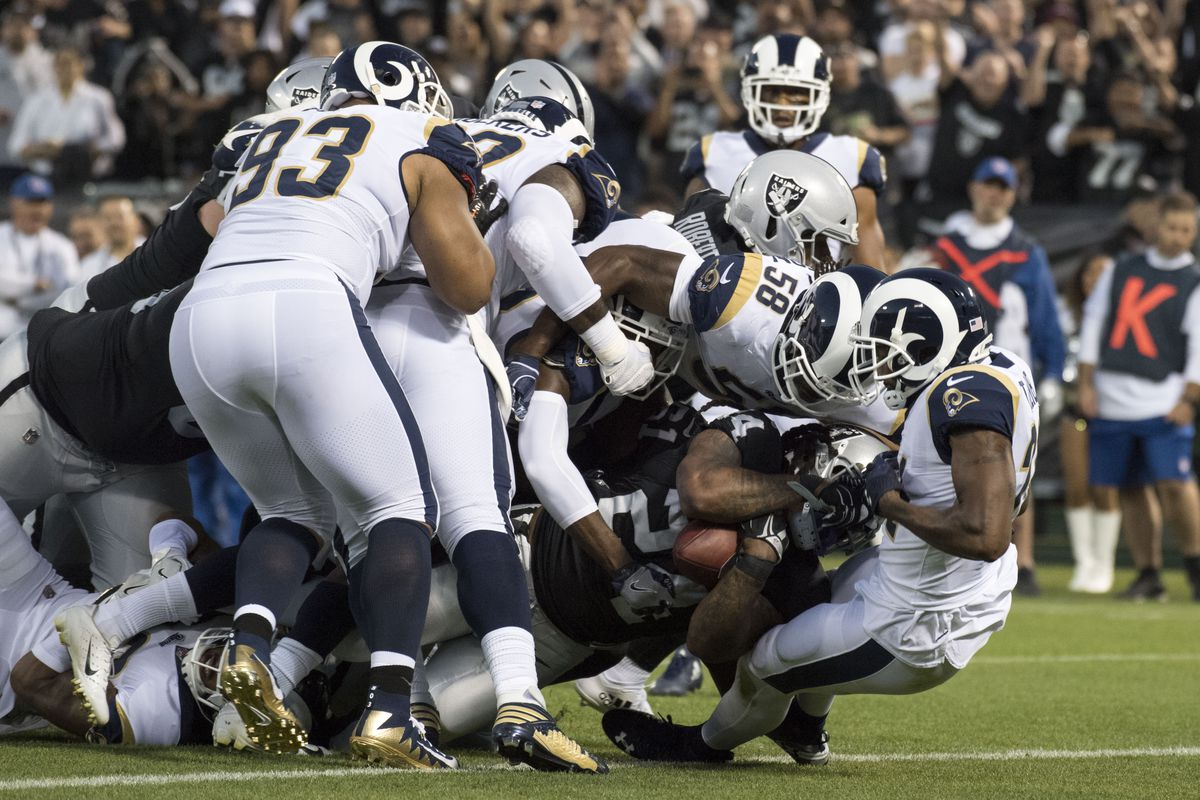 A breakdown of what each Rams player was doing when Marshawn Lynch dragged  them to the end zone 1070808e5