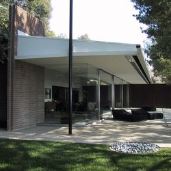 """Tom Ford's Richard Neutra-designed Brown-Sidney House. Image via <a href=""""http://www.trianglemodernisthouses.com/neutra.htm"""">Triangle Modernist Houses</a>."""
