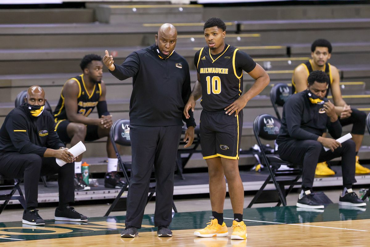 COLLEGE BASKETBALL: JAN 22 Milwaukee at Cleveland State