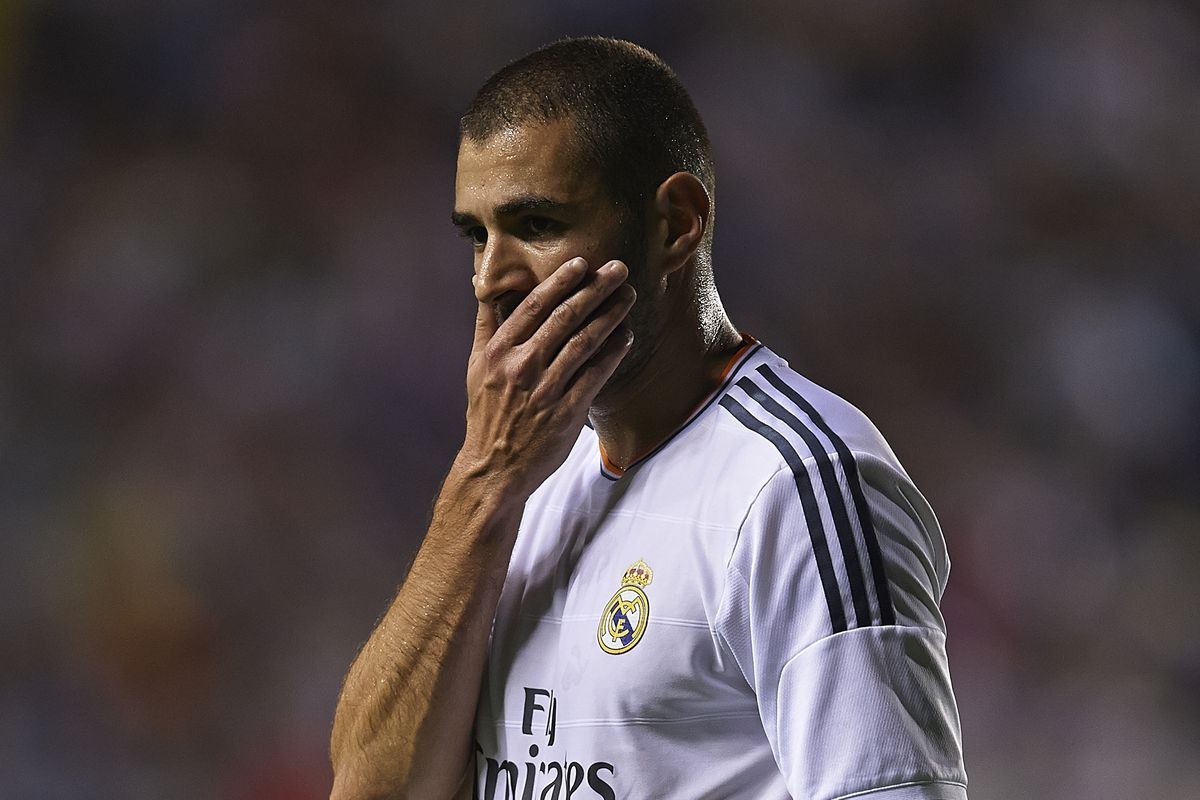 Karim Benzema ponders a missed scoring opportunity in Saturday's thrilling 3-2 win at Levante.