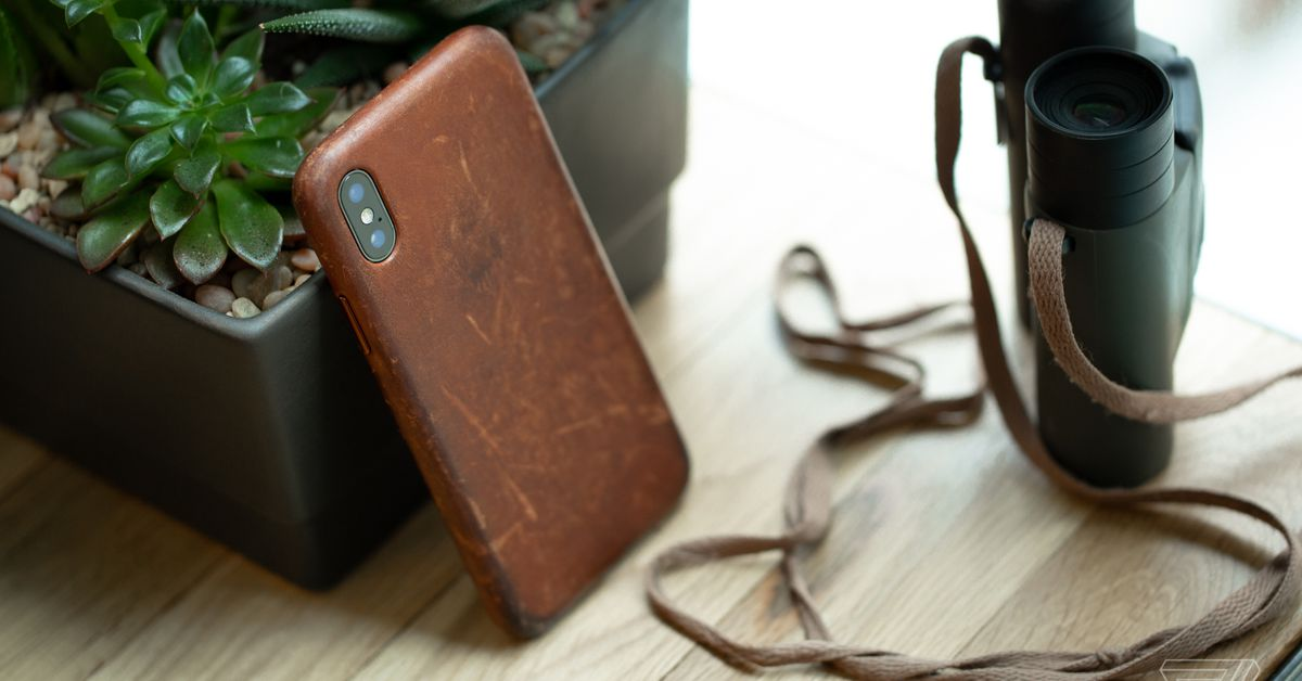 How to get a great patina on your iPhone X leather case