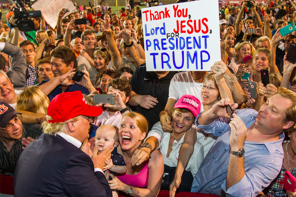 Trump greets supporters in Alabama