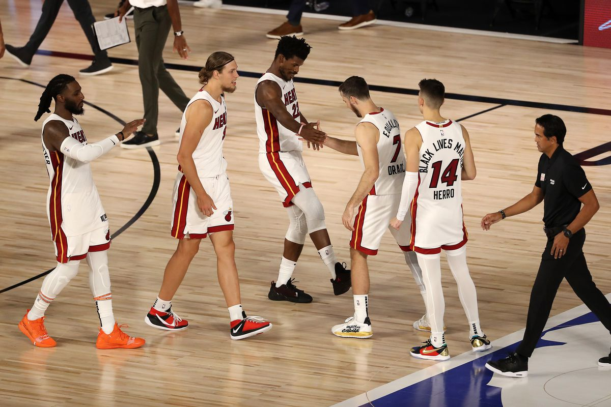 Bucks Vs Heat Video Watch Jimmy Butler Get Fouled In Final Seconds To Give Miami Win In Game 2 Draftkings Nation