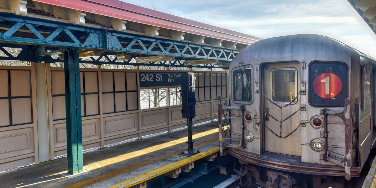 Some NYC subway lines were suspended due to 'network communications issue'