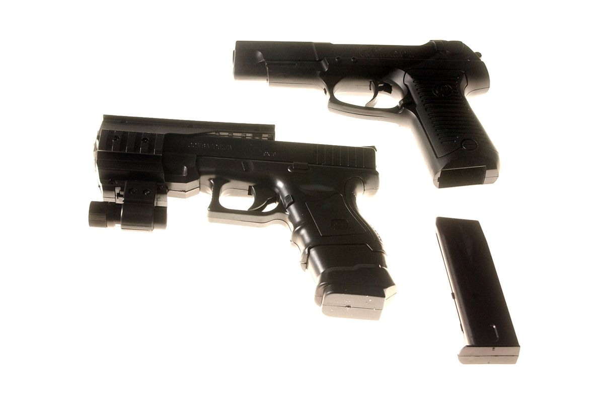 Boys charged with pointing replica handguns at paramedics