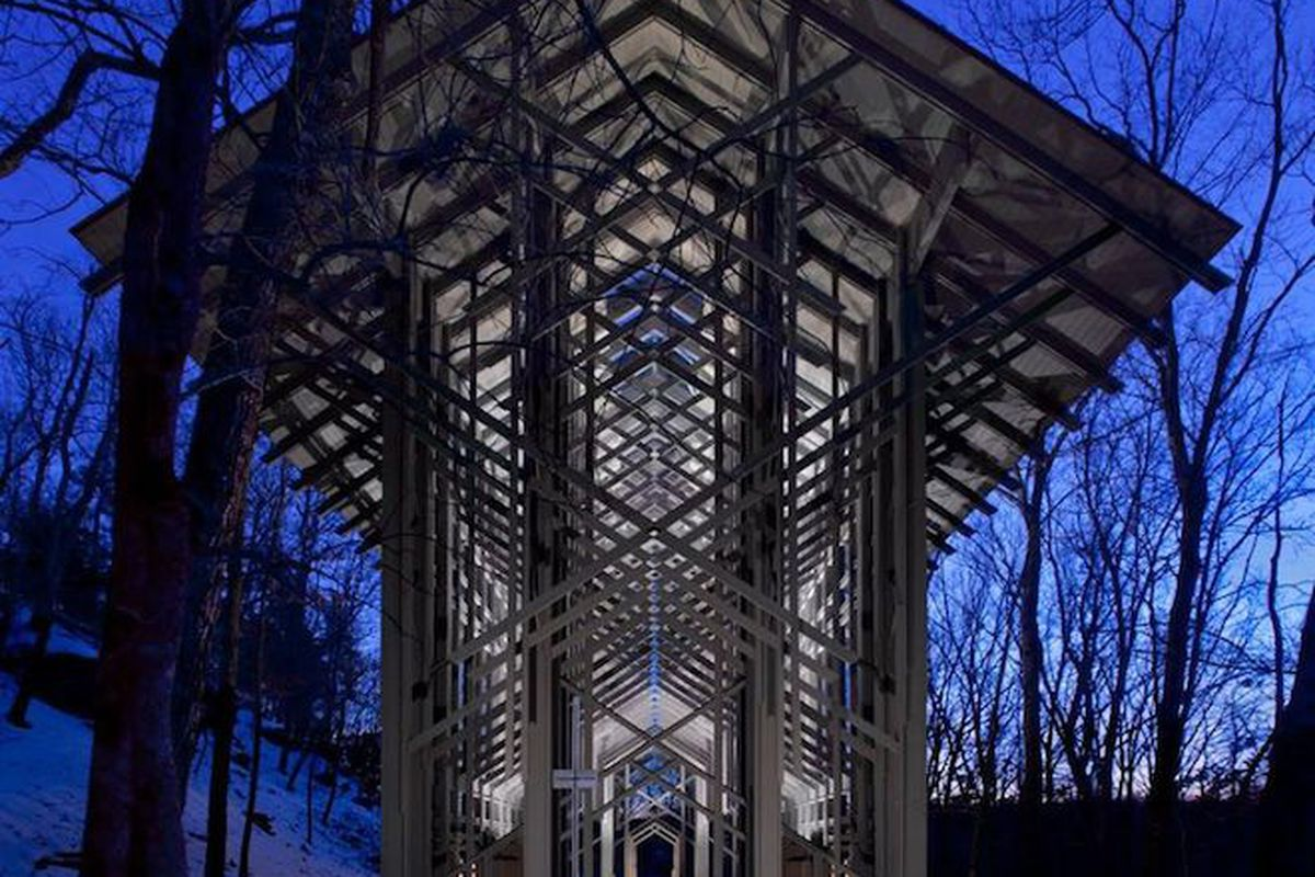 """All photos by <a href=""""http://www.randallconnaughton.com/"""">Randall Connaughton</a> via <a href=""""http://www.thorncrown.com/photogallery.html"""">Thorncrown Chapel</a>"""