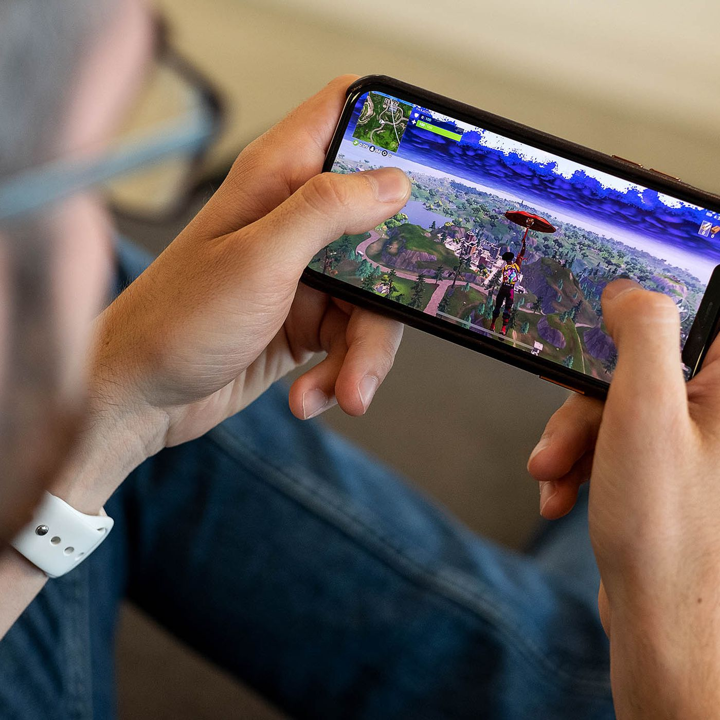 Permission To Play Fortnite Ipad Why You Can No Longer Install Fortnite On Ios The Verge