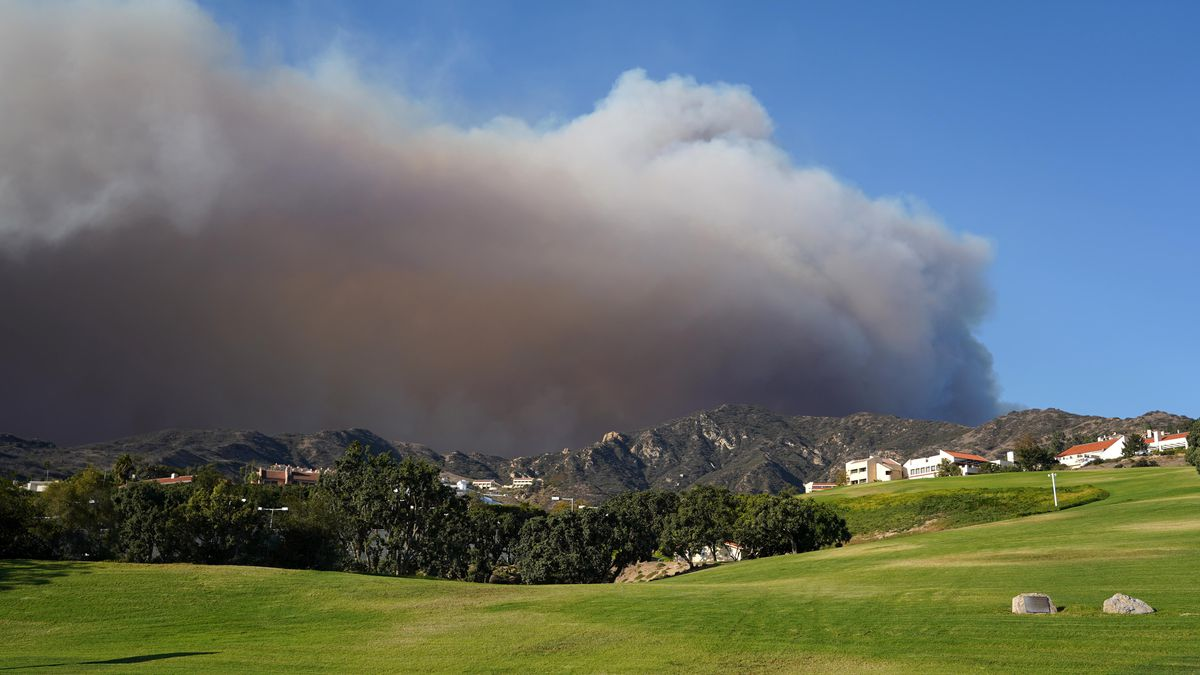 Pepperdine Shelters In Place As Malibu Wildfires Burn