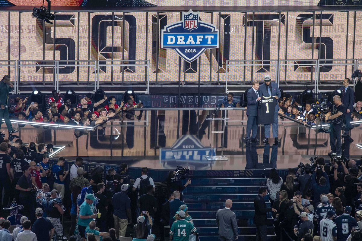 Arlington, TX, USA; NFL commissioner Roger Godell announces the pick of  Texas-San Antonio defensive end Marcus Davenport by the New Orleans  Saints during the 2018 NFL Draft at AT&T Stadium.