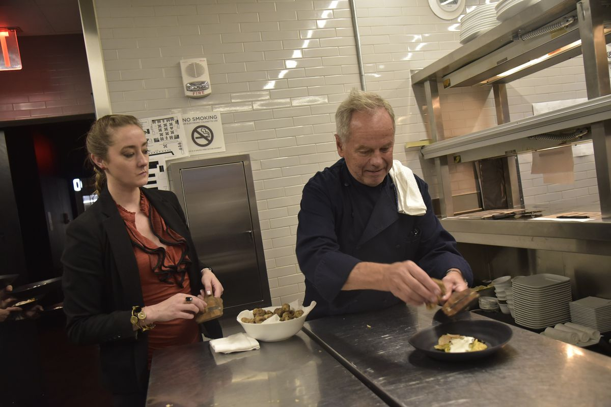 Inside the Wild First Days of Wolfgang Puck\'s Flagship Restaurant ...