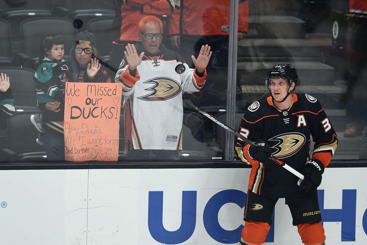 NHL: OCT 03 Coyotes at Ducks