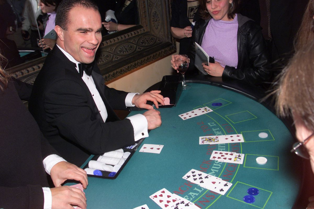 CASINO1---03/12/01----Tie Domi who wracked up 30 minutes in penalties versus Vancouver tallies up a