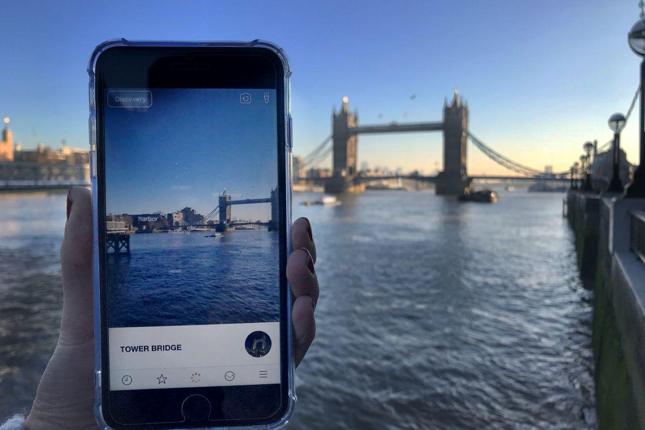 blippar s newest ar feature recognizes famous landmarks