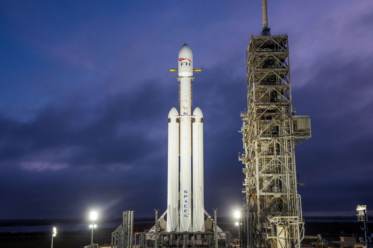 A successful SpaceX Falcon Heavy launch gives NASA new ...