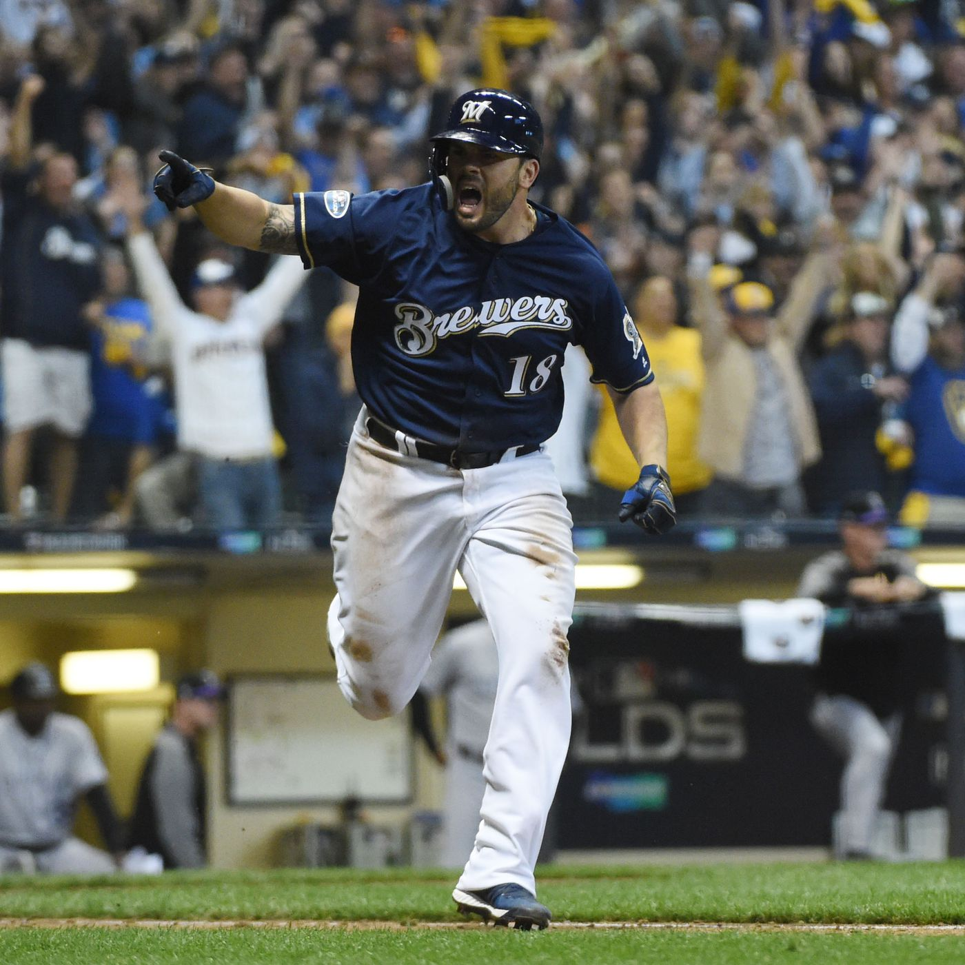 big sale 6605a 3d964 MLB playoffs 2018: Brewers' Mike Moustakas trade is working ...