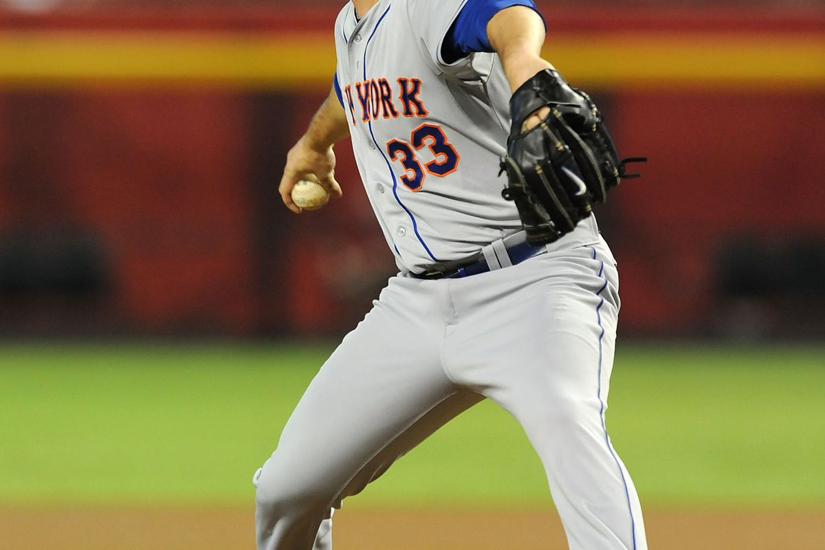 PHOENIX, AZ - JULY 26:  Matt Harvey #33 of the New York Mets delivers a pitch in his first MLB start against the Arizona Diamondbacks at Chase Field on July 26, 2012 in Phoenix, Arizona.  (Photo by Norm Hall/Getty Images)