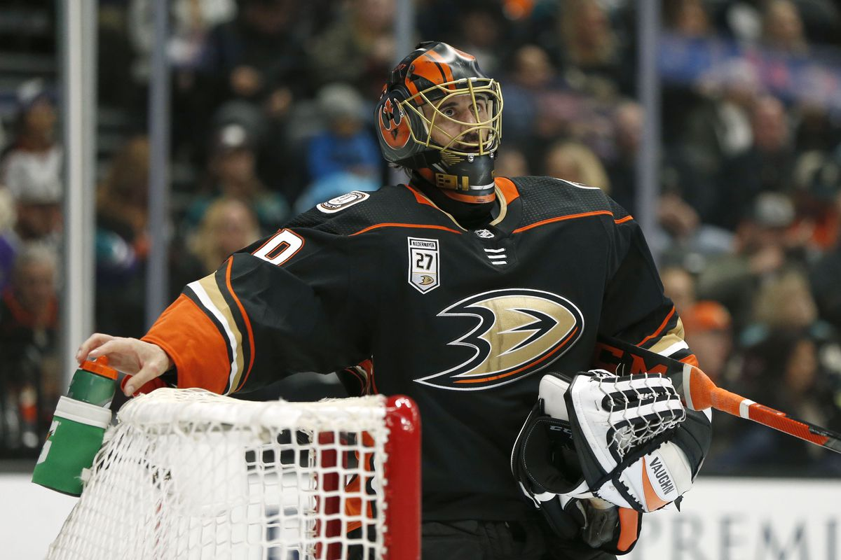 ANAHEIM, CALIFORNIA - FEBRUARY 17: Ryan Miller #30 of the Anaheim Ducks looks up during a break in the second period against the Washington Capitals at Honda Center on February 17, 2019 in Anaheim, California.